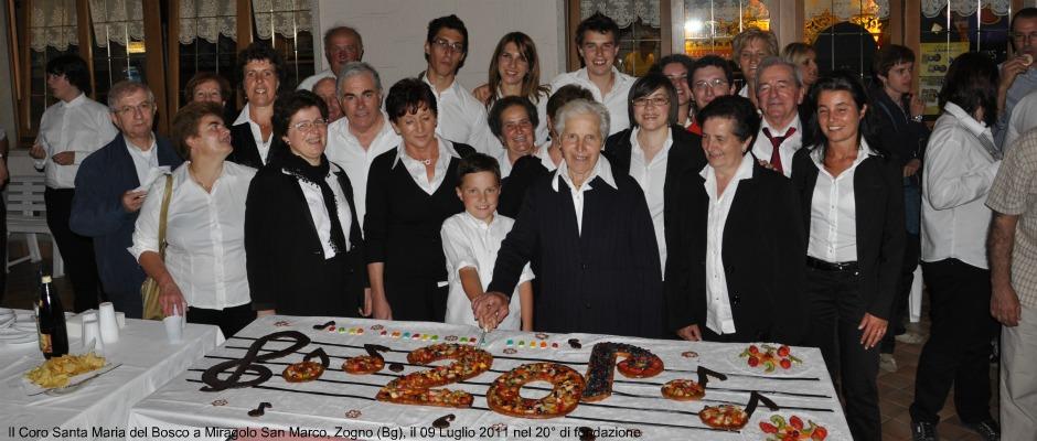 coro con torta 20°.ev